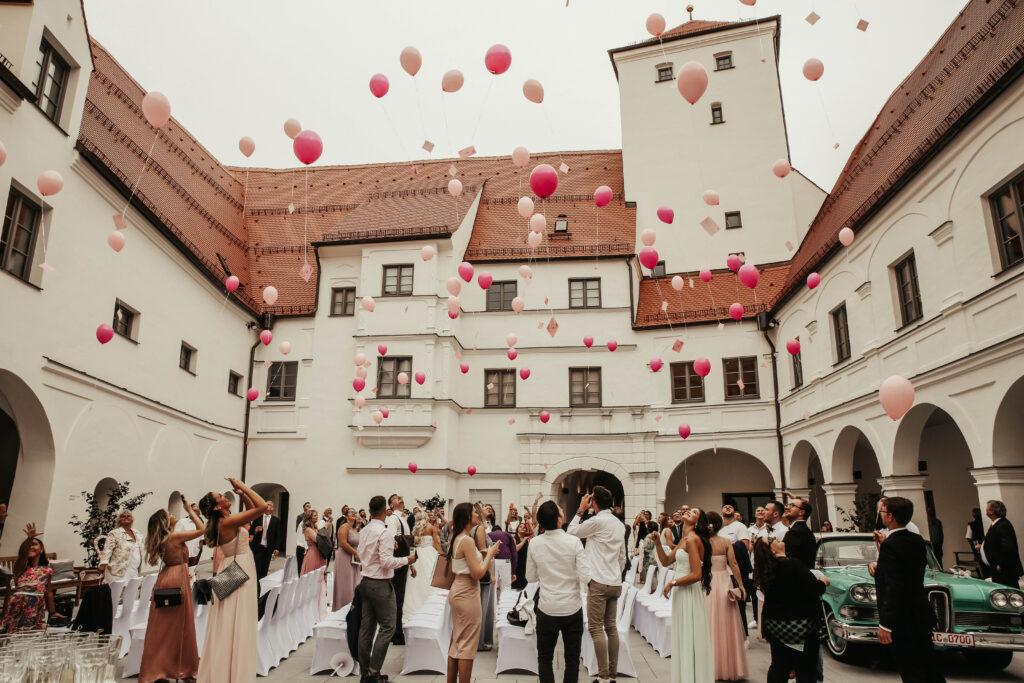 Wittelsbacher Schloss, Schlosshof, Freie Trauung, Foto: Erciyas Photodesign